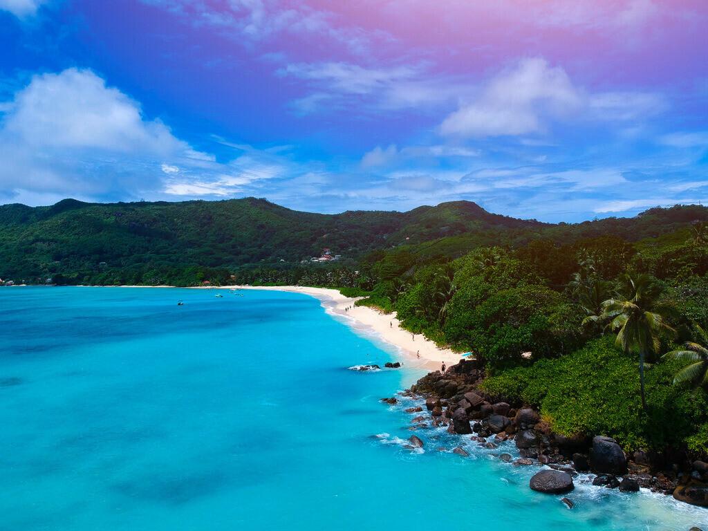 Pointe Au Sel - Seychellen - Drohnenaufnahme  | Luftaufnahme eines Strandes