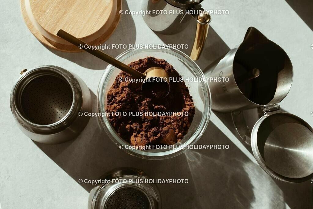 coffee-powder-on-clear-jar-3847455