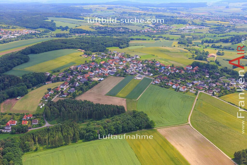 haarth-untersiemau-2016-6751 | Luftbild von Haarth Untersiemau - Luftaufnahme wurde 2016 von https://frankenair.de mittels Flugzeug (keine Drohne) erstellt - die Geschenkidee