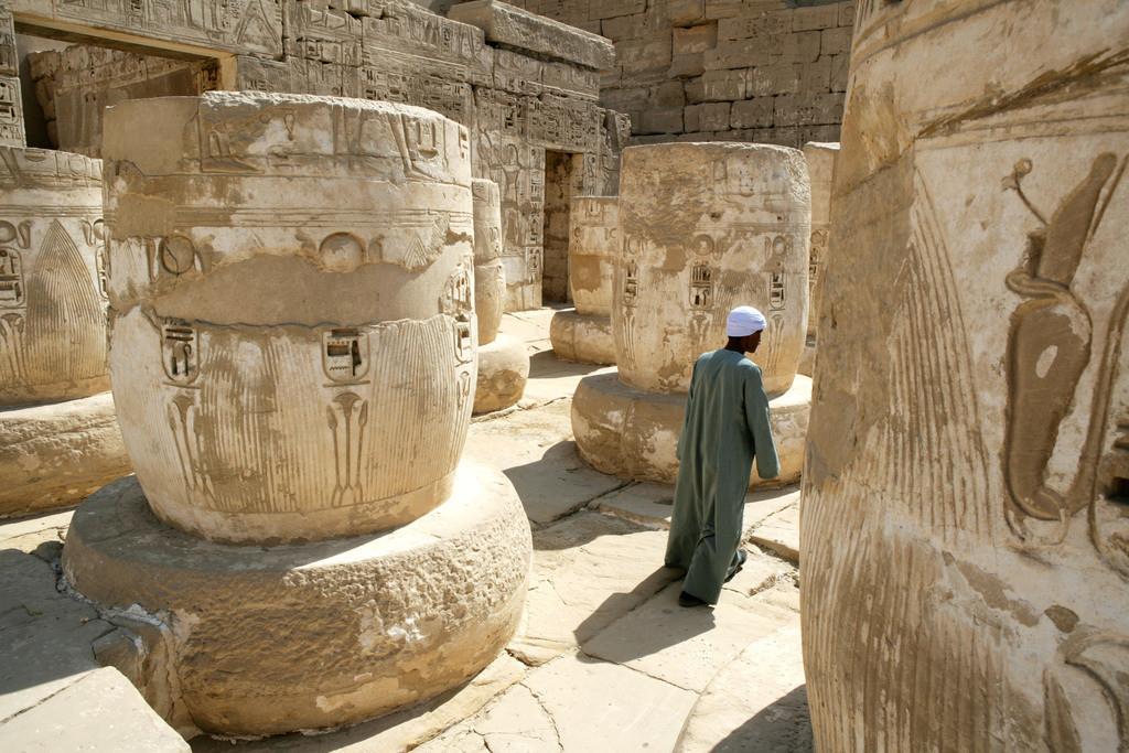 Habu Tempel   Ägypten, Luxor, Theben-West: Habu Tempel Anlage. Ramses III Totentempel.