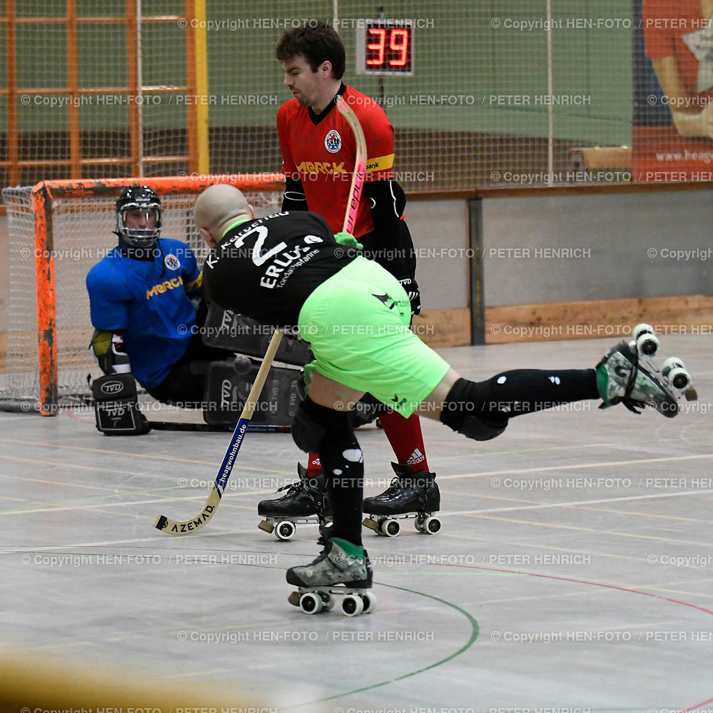 Rollhockey Bundesliga RSC Darmstadt - SKG Herringen (2:6) 20190316 - copyright HEN-FOTO (Peter Henrich) | Rollhockey Bundesliga RSC Darmstadt - SKG Herringen (2:6) 20190316 v li 10 Philip Leyer (DA) Mi 7 Christoph Rindfleisch (H) re 3 Felix Bender (DA) - copyright HEN-FOTO (Peter Henrich)
