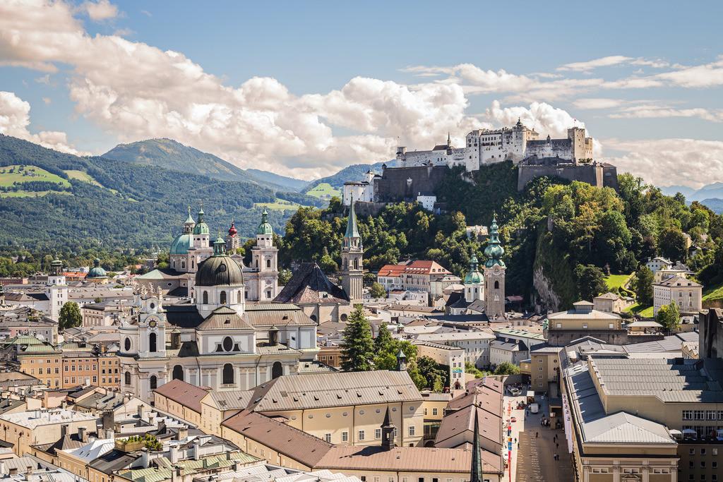 Stadt Salzburg mit Blick auf die Festung | Stadt Salzburg mit Blick auf die Festung Hohensalzburg