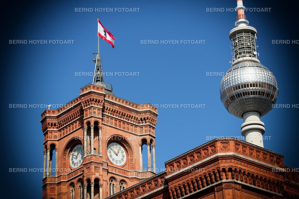 red city hall   Das Berliner Rote Rathaus und der Fernsehturm, Deutschland / digital leicht nachbearbeitet.   The Berlin Red Town Hall and the Television Tower, Germany / digitally slightly reworked.