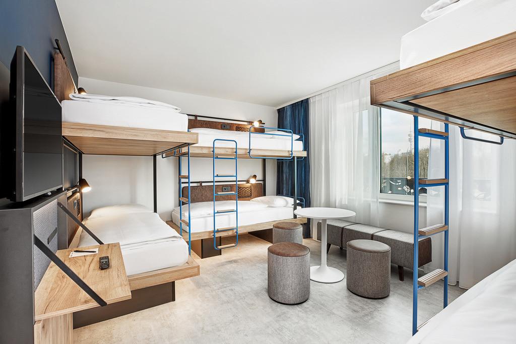zimmer-sechsbettzimer-05-h2-hotel-muenchen-olympiapark