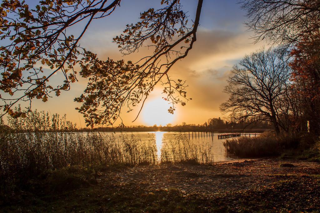 Lindaunis an der Schlei   Sonnenuntergang über der Schlei in Lindaunis