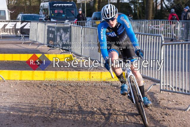 Radsport, Stevens Cyclocross Cup 2019, 10. Lauf (RSG Nordheide), Rennen 9 (Elite Herren + U23, Masters 2 / Elite Ü40 und Junioren U19), Buchholz i.d.N., 19.01.2020   Ben Laatsch (RSG Nordheide, #86, U19m) in seiner letzten Runde