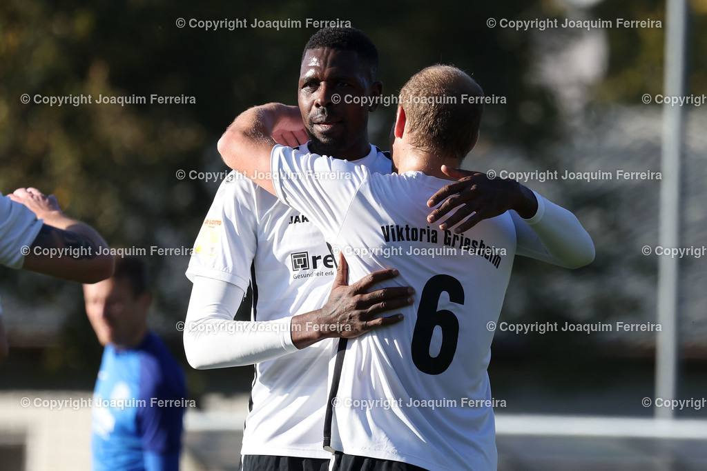 0551_3026 | 10.10.2020 Fussball Hessenliga SC Viktoria Griesheim - Hünfelder SV  v.l.,  Mohamadou