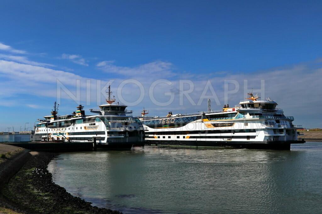 Fähren am Hafen von Texel   Die Fähren Dokter Wagemaker und Texelstroom am Fährhafen von Texel.