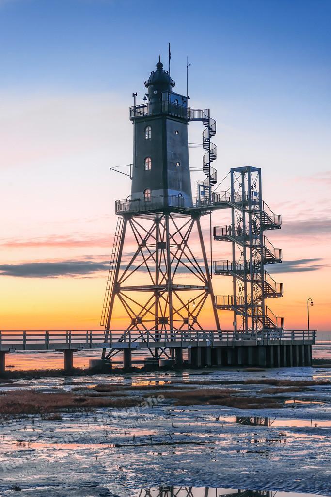 20210317-Leuchtturm Obereversand Dorum Sonnenuntergang  hochkant 17 März 2021 _11 Kopie
