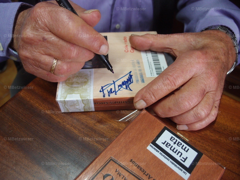 PB162879 | Nach schnell ein Autogramm vom Maestro