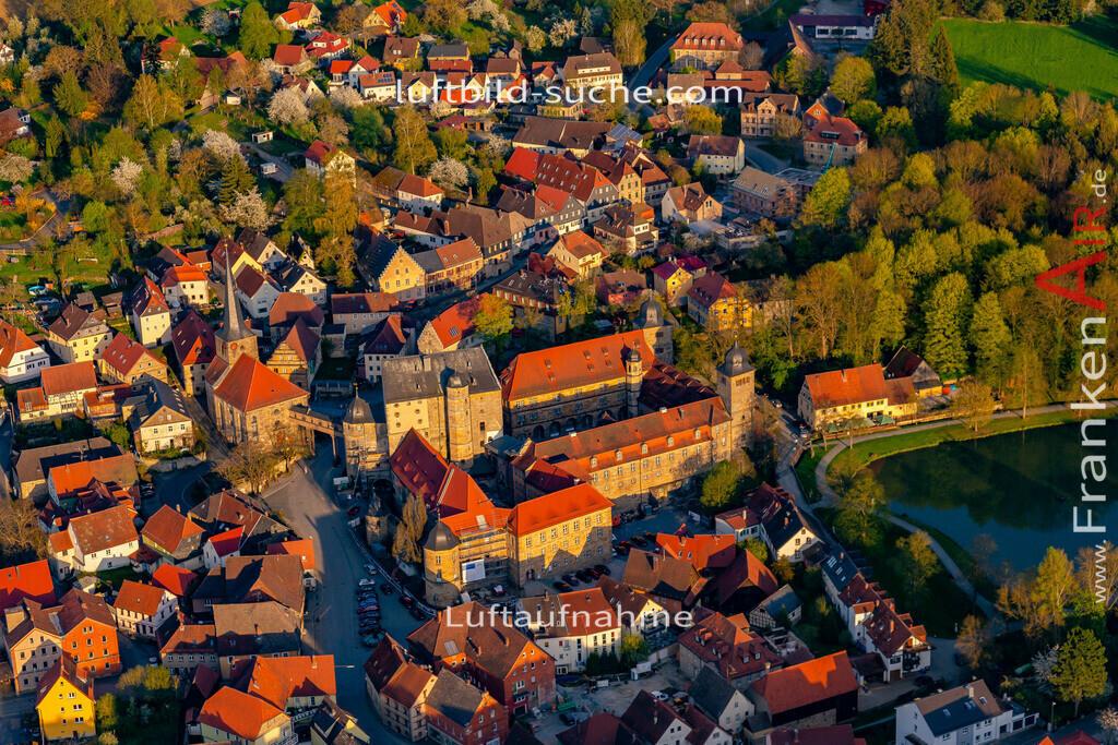 schloss-thurnau-18-211   aktuelles Luftbild von Schloss Thurnau - Luftaufnahme wurde 2018 von https://frankenair.de mittels Flugzeug (keine Drohne) erstellt.