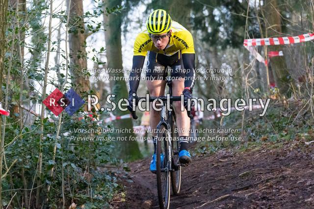 Radsport, Stevens Cyclocross Cup 2019, 10. Lauf (RSG Nordheide), Rennen 9 (Elite Herren + U23, Masters 2 / Elite Ü40 und Junioren U19), Buchholz i.d.N., 19.01.2020 | Paul Lindenau (RV Germania Hamburg, #17, Elite)
