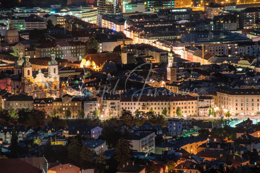 Innsbruck | Nächtlicher Blick von Hötting das Zentrum von Innsbruck