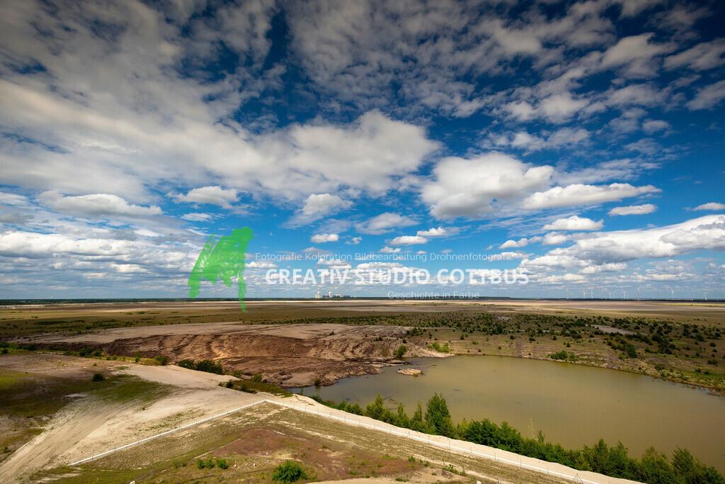 Ausblick vom Aussichtsturm Merzdorf mit Blick auf den zukünftigen Cottbuser Ostsee. | Ausblick vom Aussichtsturm Merzdorf mit Blick auf den zukünftigen Cottbuser Ostsee.