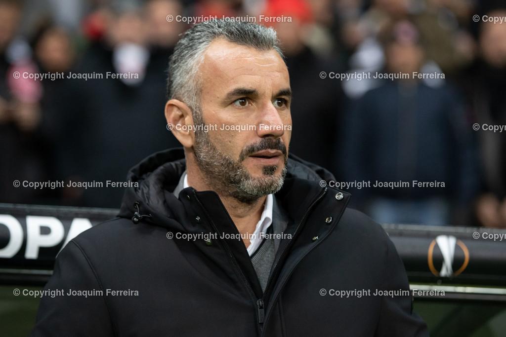 191212_efvsvs_0263 | 12.12.2019 Uefa Europaleague Eintracht Frankfurt-Vitoria Guimaraes emspor  v.l.,  Trainer Ivo Vieira (Vitoria de Guimaraes SC) Foto:Joaquim Ferreira