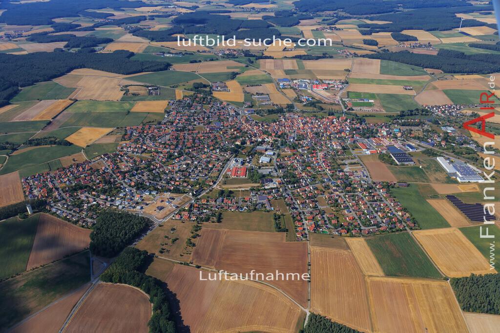 markt-erlbach-2015-2239 | Luftbild von  Markt-erlbach - Luftaufnahme wurde 2015 von https://frankenair.de mittels Flugzeug (keine Drohne) erstellt - die Geschenkidee