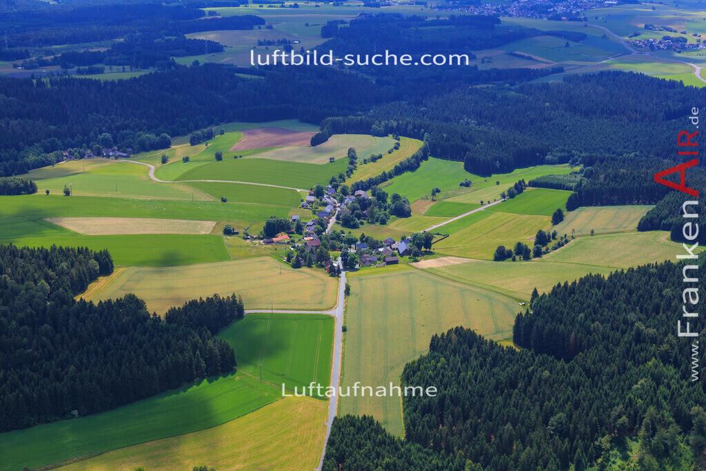 gruenlas-grafengehaig-2016-2317 | Luftbild von Gruenlas Grafengehaig - Luftaufnahme wurde 2016 von https://frankenair.de mittels Flugzeug (keine Drohne) erstellt - die Geschenkidee