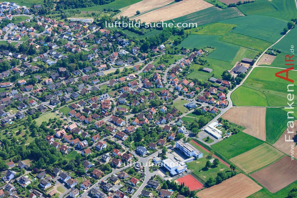 bischberg-18-339 | aktuelles Luftbild von  Bischberg - Luftaufnahme wurde 2018 von https://frankenair.de mittels Flugzeug (keine Drohne) erstellt.