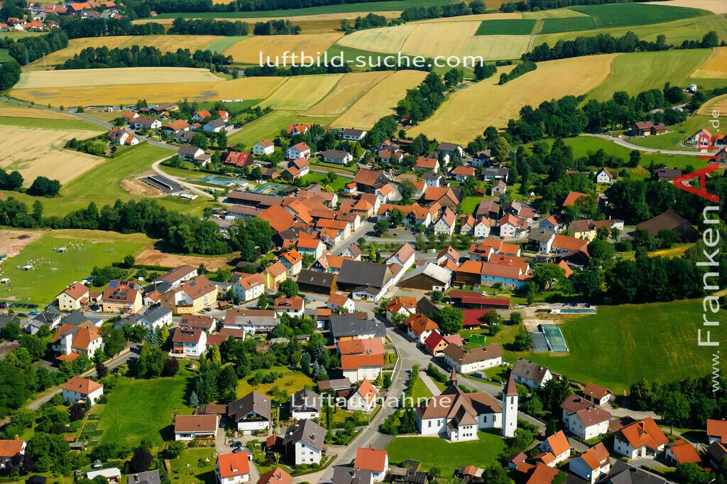 reitsch-stockheim-2008-07   Luftbild von Reitsch Stockheim - Luftaufnahme wurde 2008 von https://frankenair.de mittels Flugzeug (keine Drohne) erstellt - die Geschenkidee