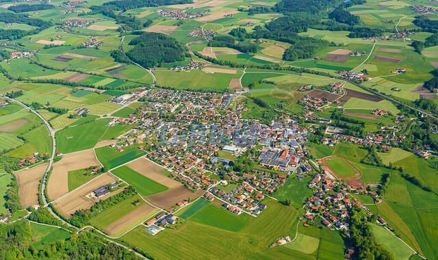 luftbild-teisendorf-bruno-kapeller-14 | Luftaufnahme von Teisendorf im Fruehling 2019