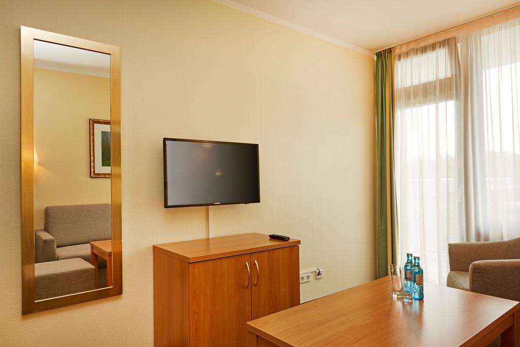 zimmer-familienzimmer-08-hplus-hotel-willingen
