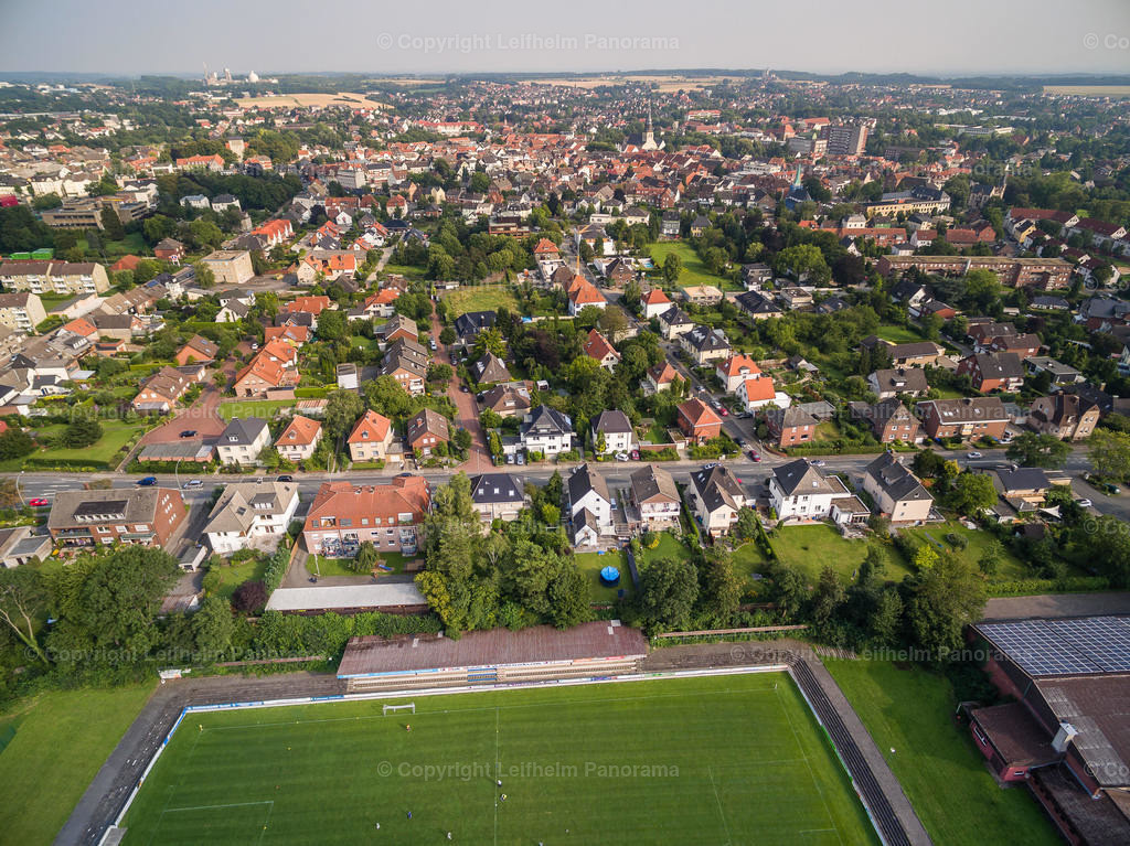 15-08-11-Leifhelm-Panorama-Jahnstadion-Roemerkampfbahn-11