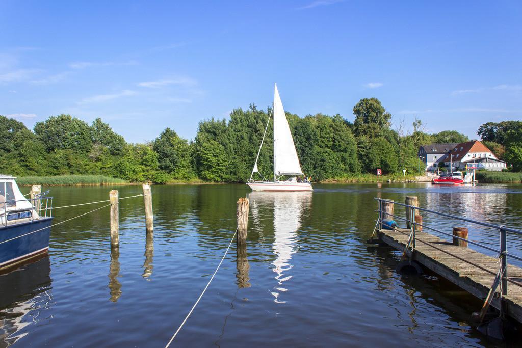 Brodersby an der Schlei | Segelboot auf der Schlei in Brodersby