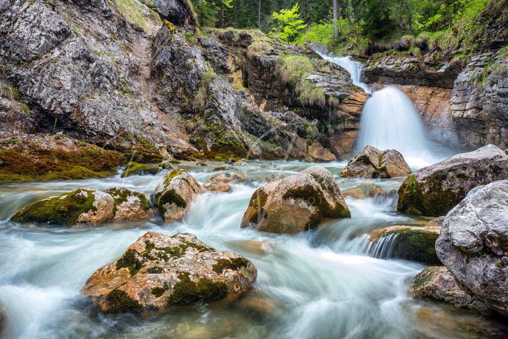 Kuhfluchtwasserfall | Die Kuhflucht in der Nähe von Garmisch