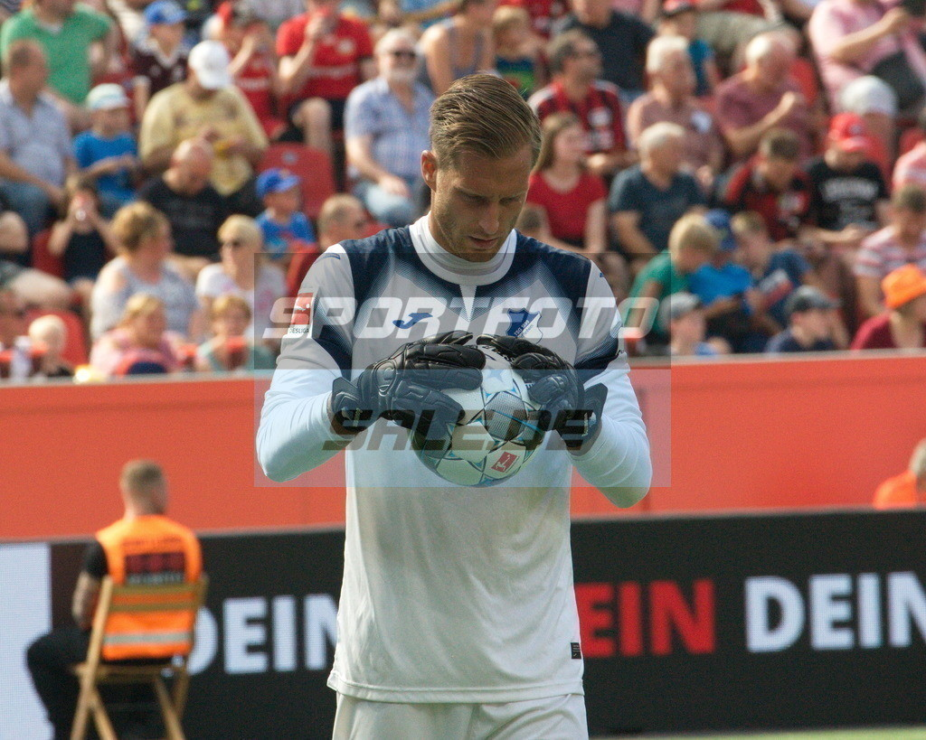 Bayer 04 Leverkusen - TSG 1899 Hoffenheim | Hoffenheims Keeper Oliver Baumann