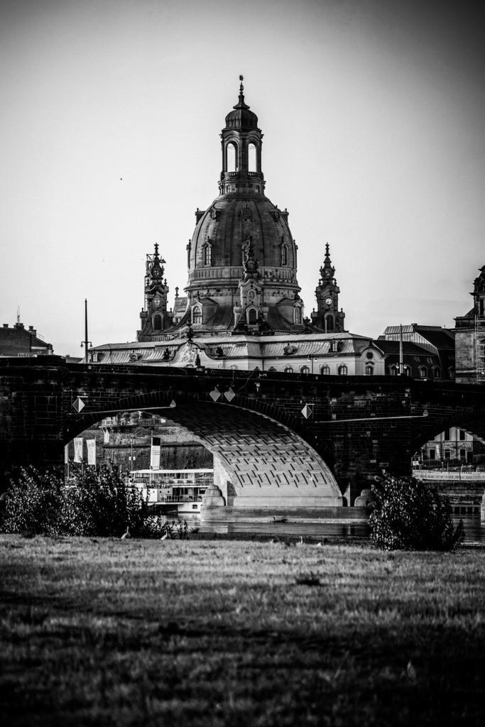 Frauenkirche in Dresden schwarzweiß
