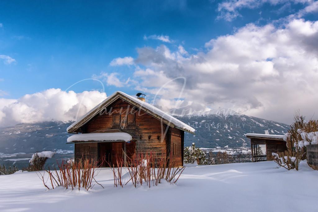 Garneid | Hütte auf Garneid mit Blick zum Patscherkofel