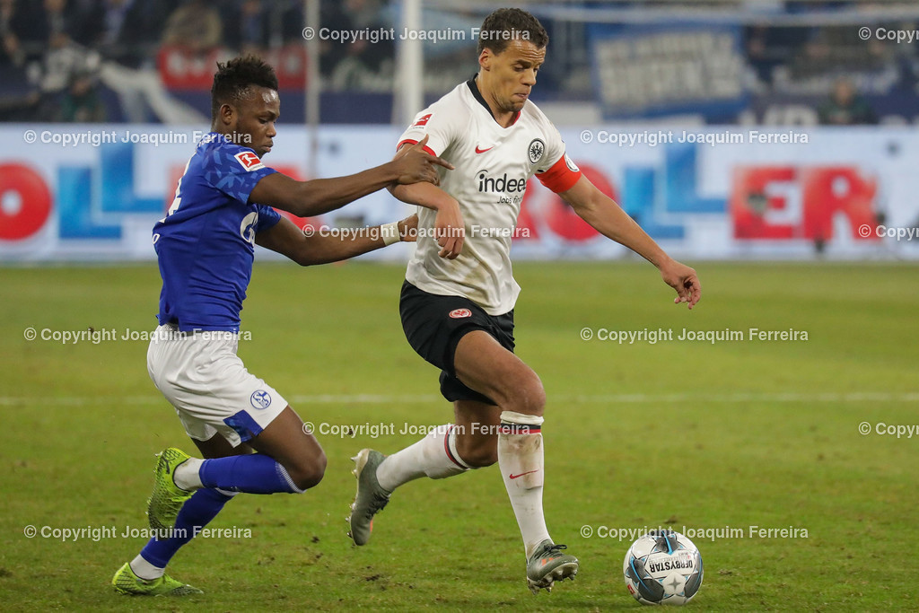 191215_schvssge_0078 | 15.12.2019 Fussball 1.Bundesliga, FC Schalke 04 - Eintracht Frankfurt  emspor  v.l.,  Rabbi Matondo (FC Schalke 04), Timothy Chandler (Eintracht Frankfurt),Zweikampf, Action, Aktion, Battles for the Ball    (DFL/DFB REGULATIONS PROHIBIT ANY USE OF PHOTOGRAPHS as IMAGE SEQUENCES and/or QUASI-VIDEO)