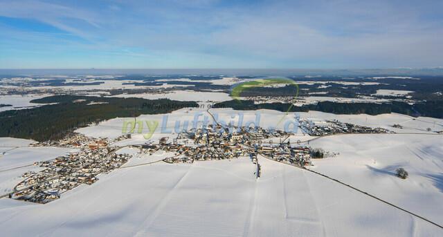 luftbild-nussdorf-chiemgau-bruno-kapeller-34 | Luftaufnahme von Nußdorf im Chiemgau, Winter 2019. Das Dorf befindet sich ca.5 km vom Chiemsee entfernt, Landkreis Traunstein.
