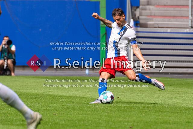 Fußball, Herren, Testspiel, Hamburger SV - FC Hansa Rostock, Volksparkstadion, 09.08.2020   Tim Leibold (#21 HSV)