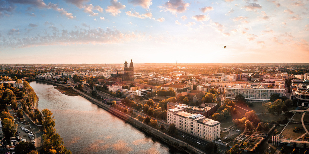 Magdeburg Skyline Herbst 2zu1