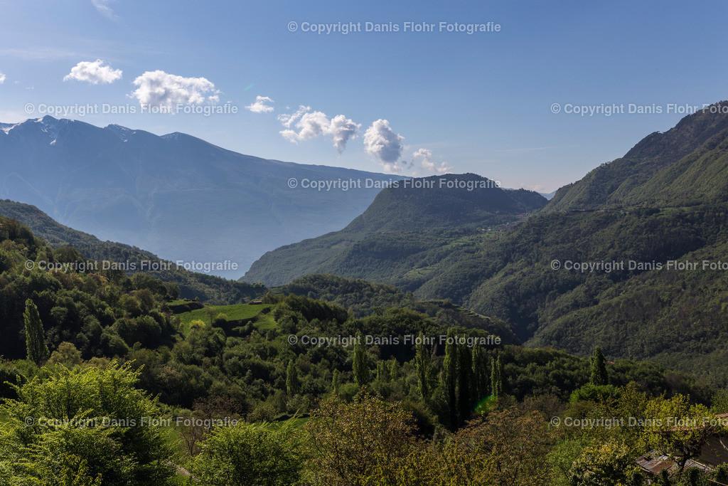 Alpenblick | Blick auf die Alpen, im Tal ist der Gardasee zu erahnen