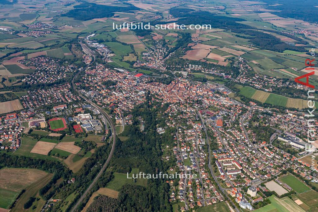 neustadt-aisch-19-309 | aktuelles Luftbild von  Neustadt-aisch - Luftaufnahme wurde 2019 von https://frankenair.de mittels Flugzeug (keine Drohne) erstellt.