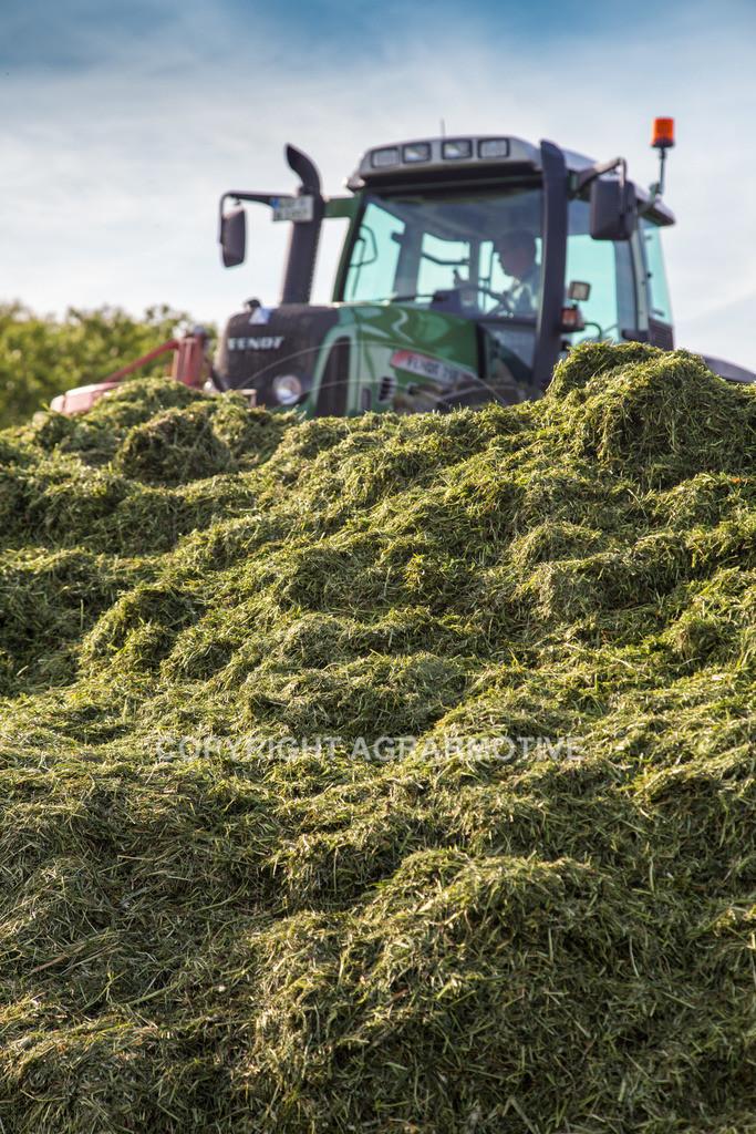 20150511-IMG_1621 | Gras silieren - AGRARMOTIVE Bilder aus der Landwirtschaft