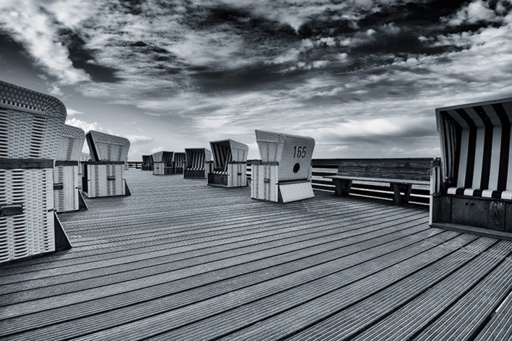 Strandkörbe auf Holzterrasse | Strandkörbe am Roten Kliff, Kampen, Sylt