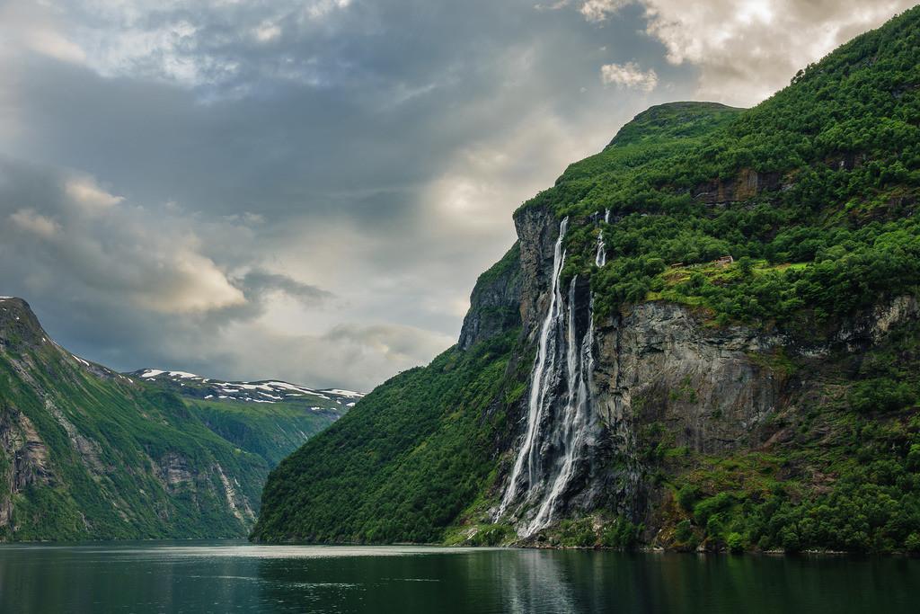 Blick auf den Geirangerfjord in Norwegen.   Blick auf den Geirangerfjord in Norwegen.