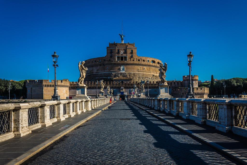 Ponte-St-Angelo+Castello-St-Angelo-Rom-1