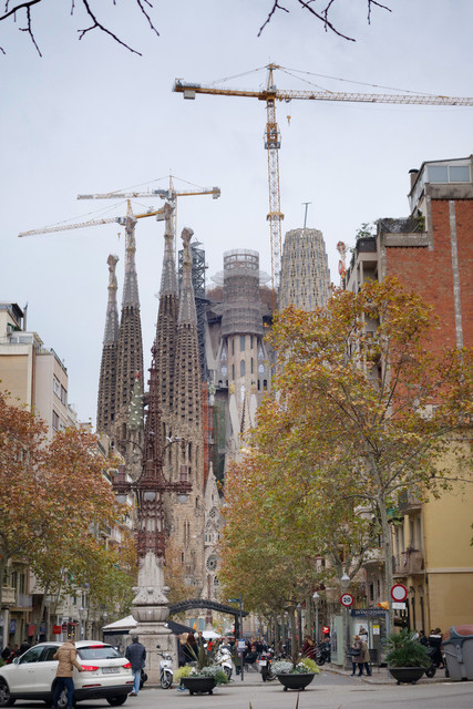 Antoni Gaudís Sagrada Família im Bau | ESP, Spanien, Barcelona, 16.12.2018, Park Güell Antoni Gaudís Garten-Parkanlage Detail [2018 Jahr Christoph Hermann]
