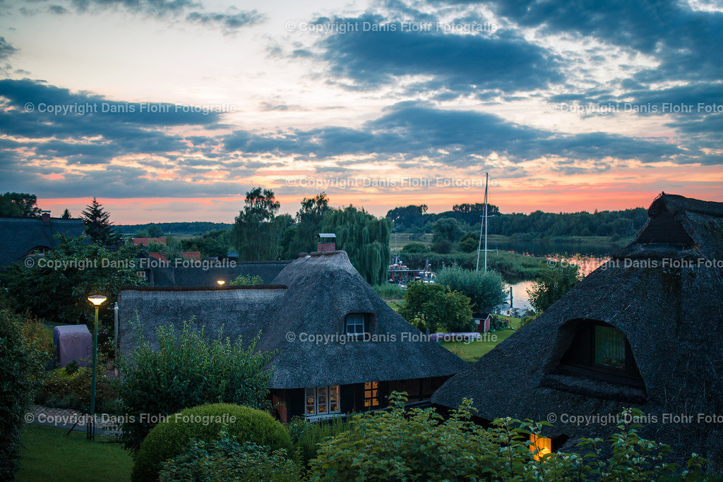 Gothmund im Sonnenuntergang | Die Gothmunder Häuser im Sonnenuntergang