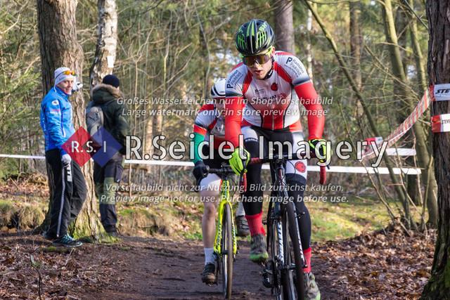 Radsport, Stevens Cyclocross Cup 2019, 10. Lauf (RSG Nordheide), Rennen 9 (Elite Herren + U23, Masters 2 / Elite Ü40 und Junioren U19), Buchholz i.d.N., 19.01.2020 | Anton Lennemann (Radsportteam Neumünster, #95, U19m)