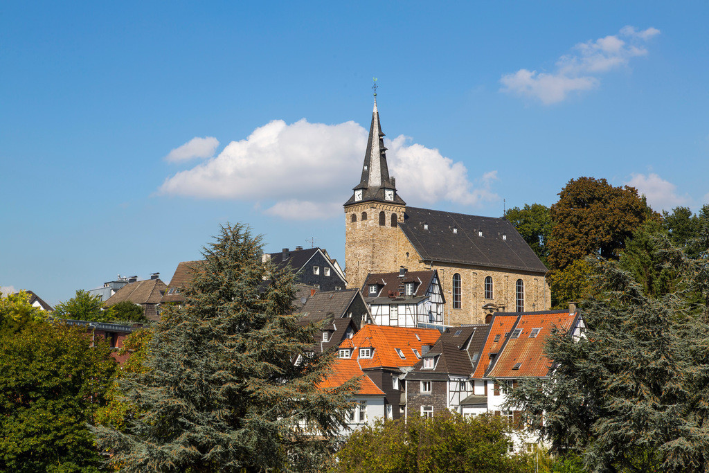JT-160927-138 | Essen-Kettwig, Altstadt am Ruhrufer mit historischer Marktkirche, Essen, NRW, Deutschland, Europa.