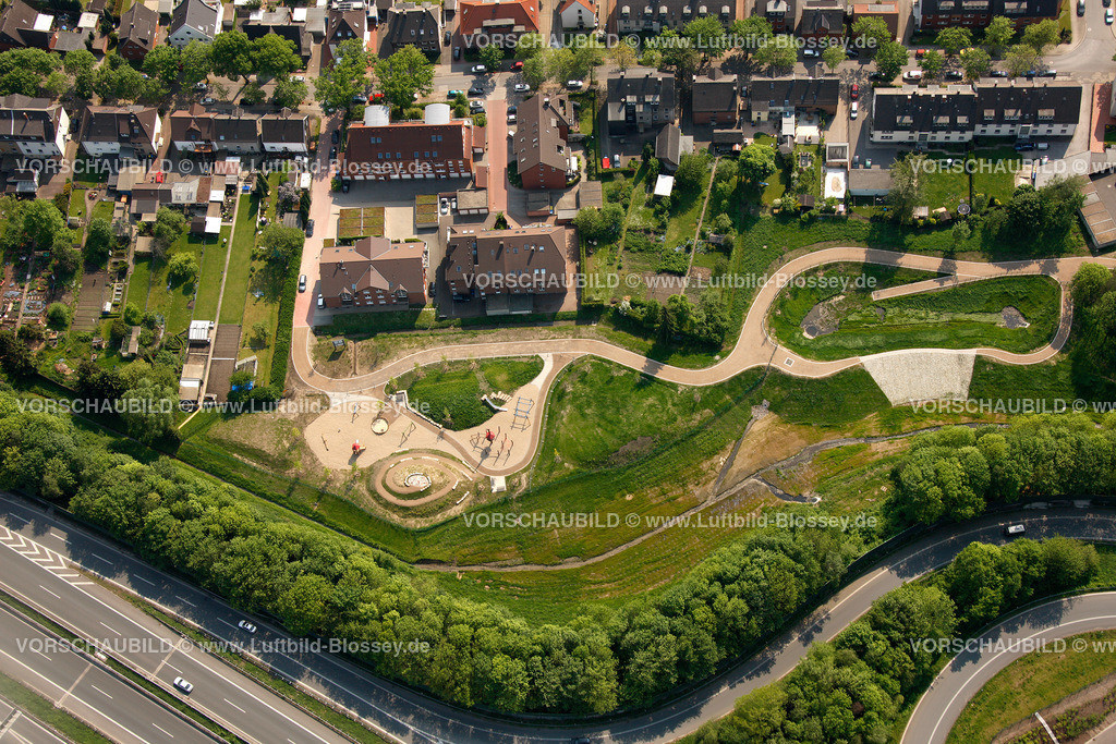 RE11046339 | Hochlar Wiesenstrasse, Spielplatz, Spiellandschaft,  Recklinghausen, Ruhrgebiet, Nordrhein-Westfalen, Germany, Europa