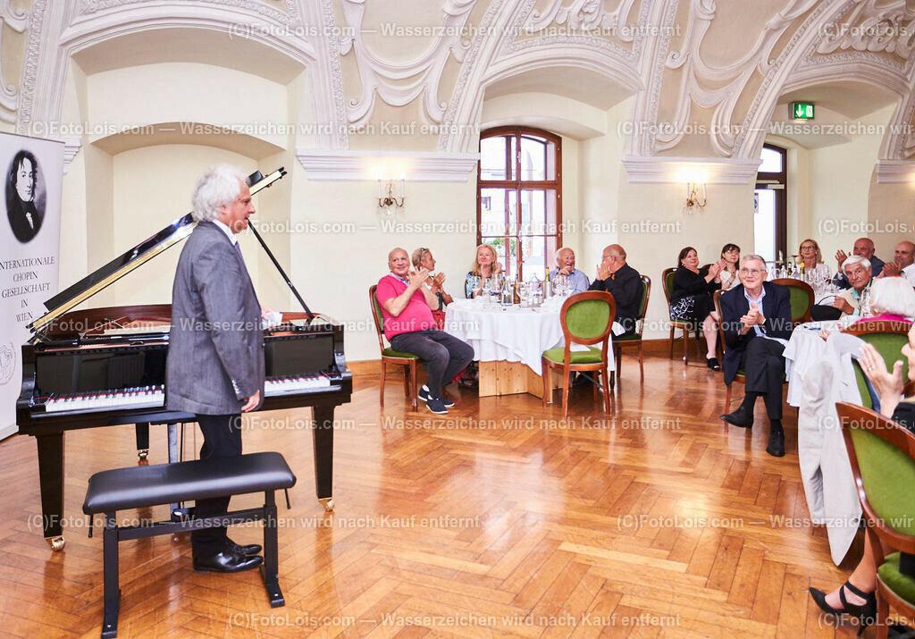 L1_2952_XXXVI-Chopin-Festival_Dinnerkonzert_HENRY Yves | (C) FotoLois.com, Alois Spandl, 36. Chopin-Festival in der Kartause Gaming, Auftritt Yves Henry, Frederic Chopin, Valse As-Dur op. 34/1, Polonaise-Fantasie As-Dur op. 61, Valse Des-Dur op. 64/1 'Minutenwalzer', Sa 15. August 2020.