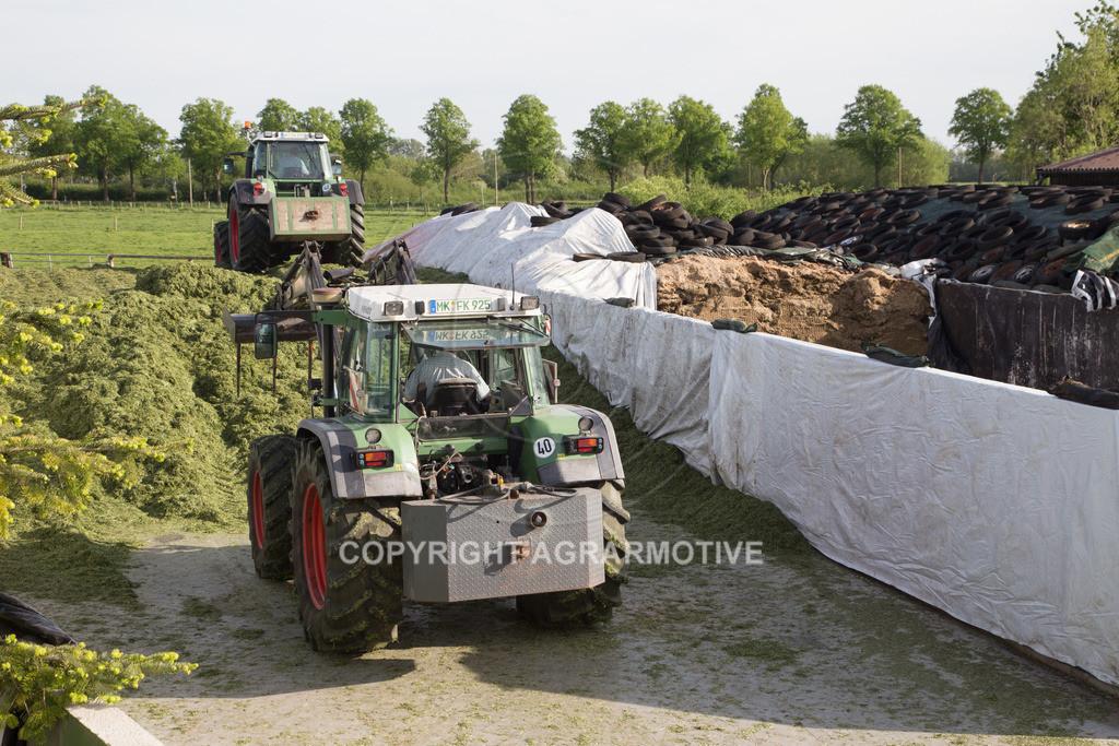 20150511-IMG_1566 | Gras silieren - AGRARMOTIVE Bilder aus der Landwirtschaft