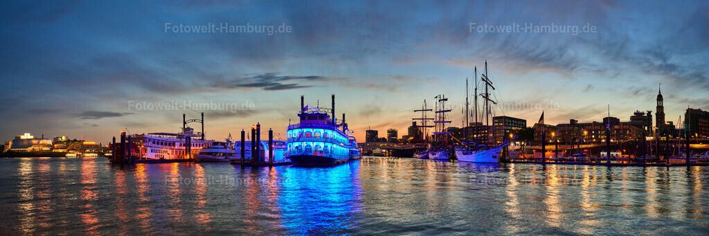 10200518 - Abendpanorama im Hamburger Hafen | Tolle Abendstimmung im Niederhafen mit Blick von den Musical Theatern über die Louisiana Star bis zum Michel.