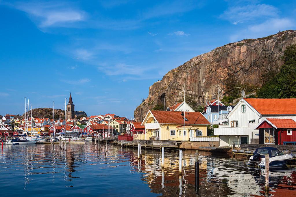 Blick auf die Stadt Fjällbacka in Schweden | Blick auf die Stadt Fjällbacka in Schweden.